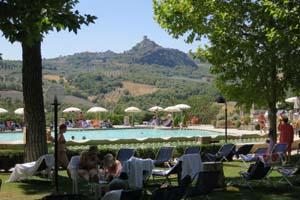 Under the tuscan sun and into the hot tuscan water - Bagno vignoni hotel posta marcucci ...