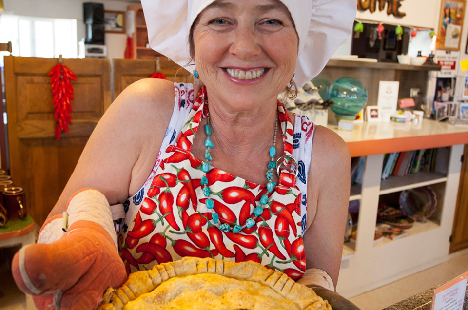 pie town single women Your choice of any meal combined with choice of any personal pie pie town works $195  pie town homemade pot pie.